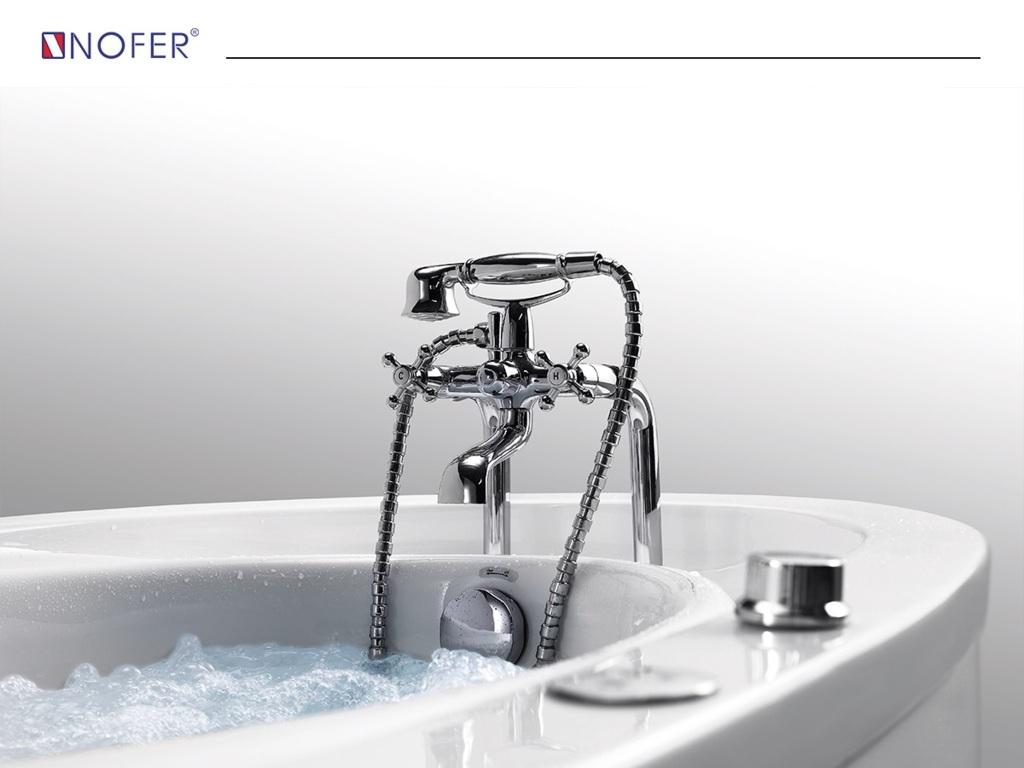 Vòi nước cùng hệ thống điều khiển sen tay đi kèm bồn tắm NG-1678D