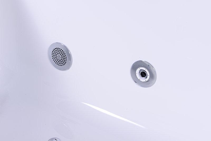 Mắt massage được lắp vào lòng bồn NG-65108