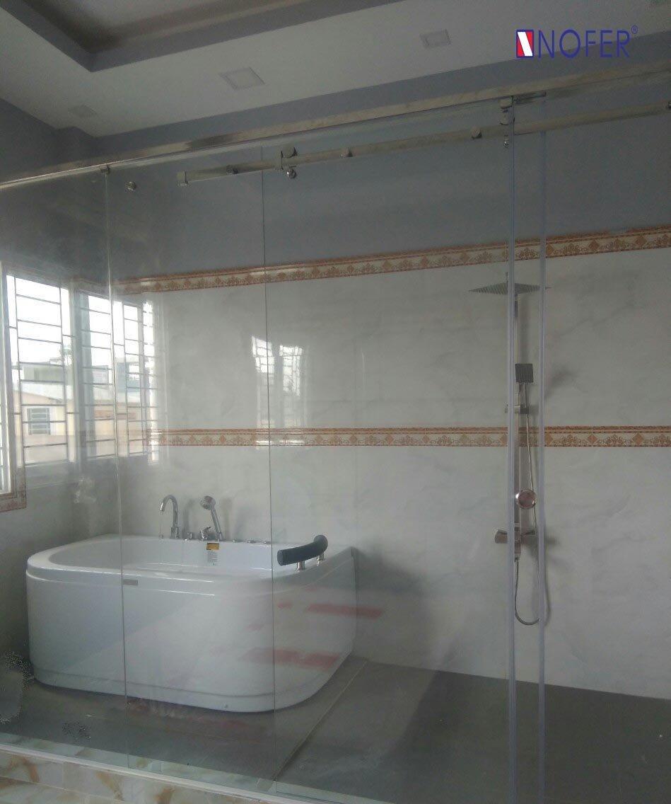 Hình dáng vòng cung của chiếc bồn tắm massage VR-102